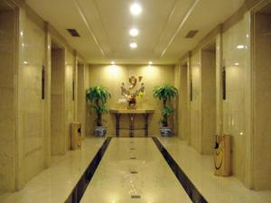 河北世纪大饭店电梯间